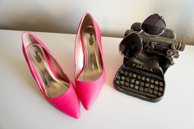 Pink Pointy Heel Pumps and Sunglasses